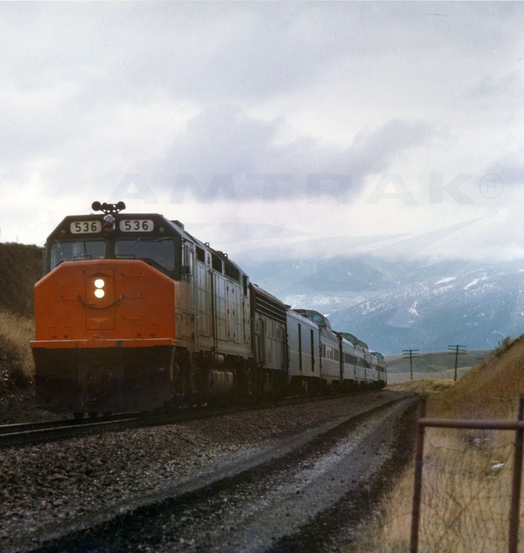 <i>North Coast Hiawatha</i> led by SDP40F locomotive No. 536, 1970s.