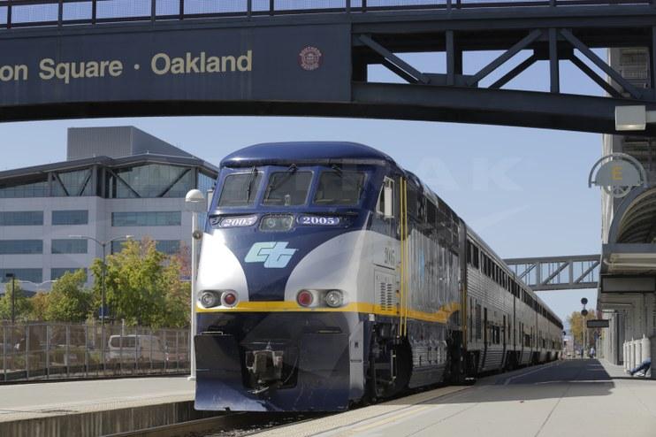 <i>Capitol Corridor</i> train at Oakland, Calif., 2015.