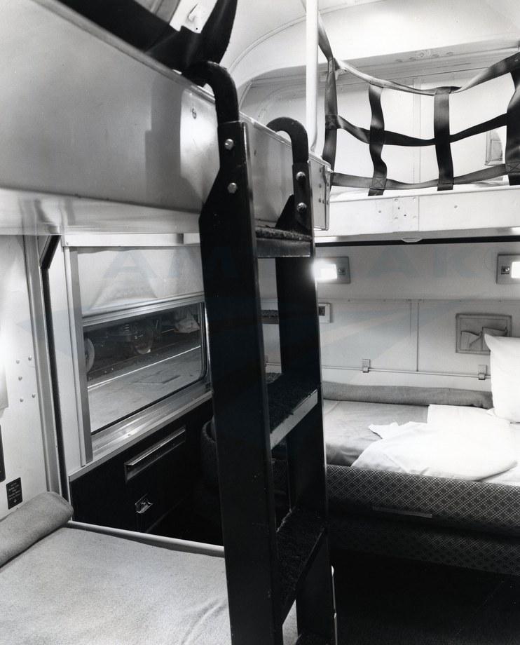 heritage sleeping car bedroom suite 1983 — amtrak