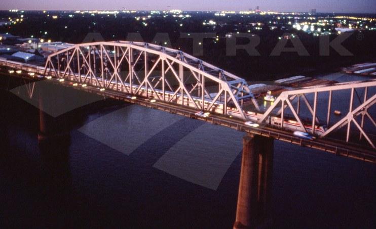 <i>Sunset Limited</i> crossing the Huey P. Long Bridge.