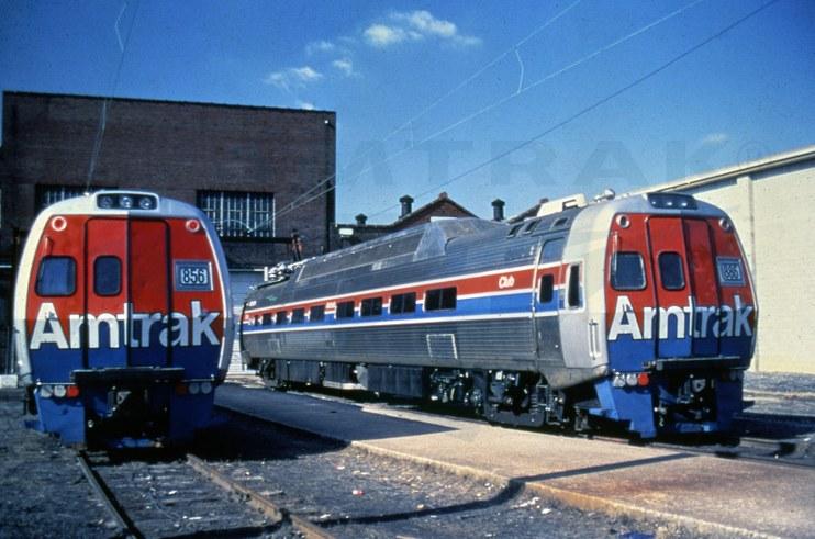 Metroliner snack-bar coach No. 856 and club car No. 886, 1970s.