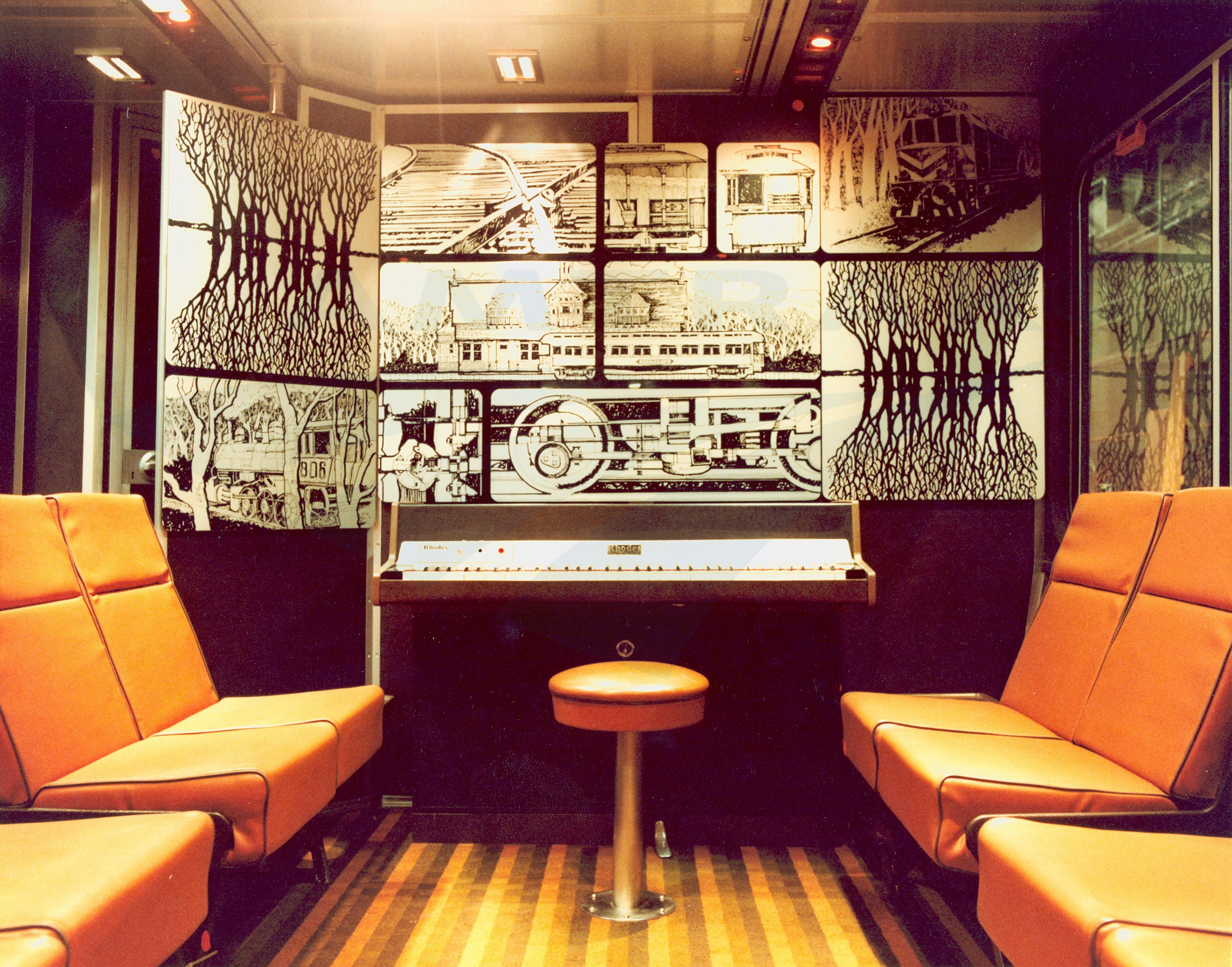 piano lounge in a sightseer lounge car 1980s amtrak history of america s railroad. Black Bedroom Furniture Sets. Home Design Ideas