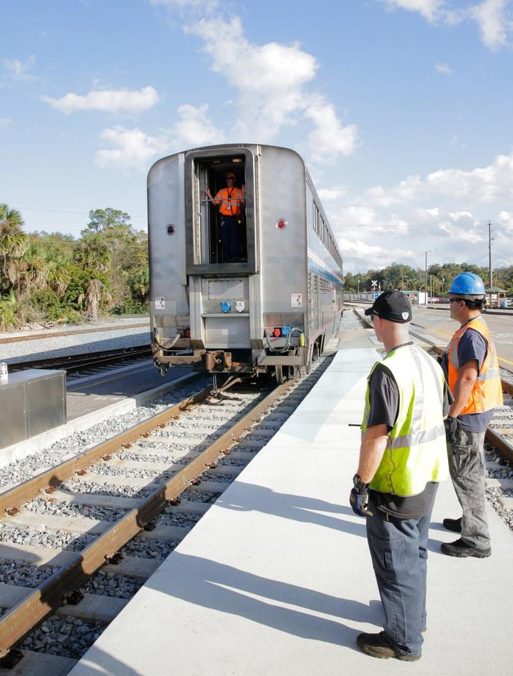 Positioning the <i>Auto Train</i> at Sanford, Fla., 2016.
