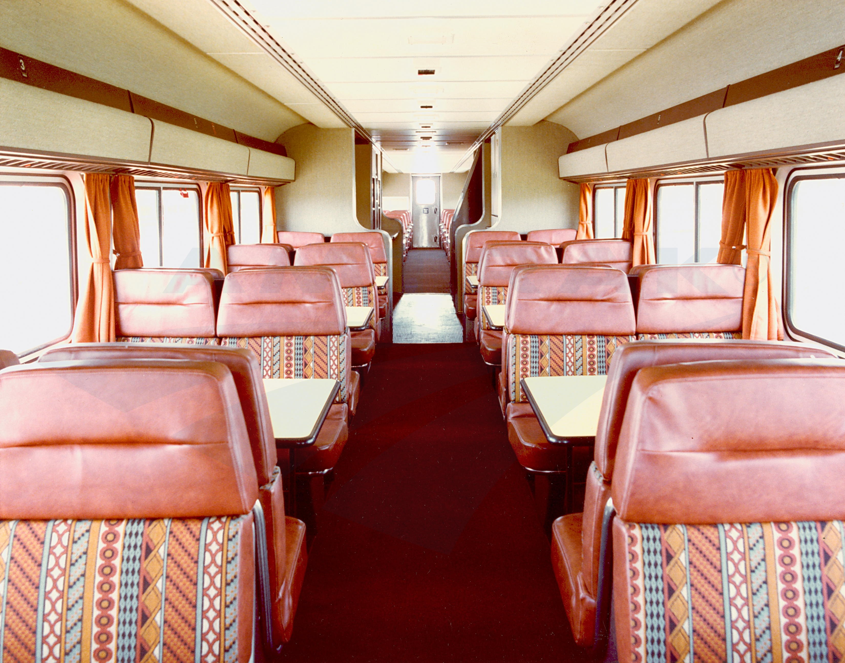 interior of a superliner i dining car 1980s amtrak history of america s railroad. Black Bedroom Furniture Sets. Home Design Ideas