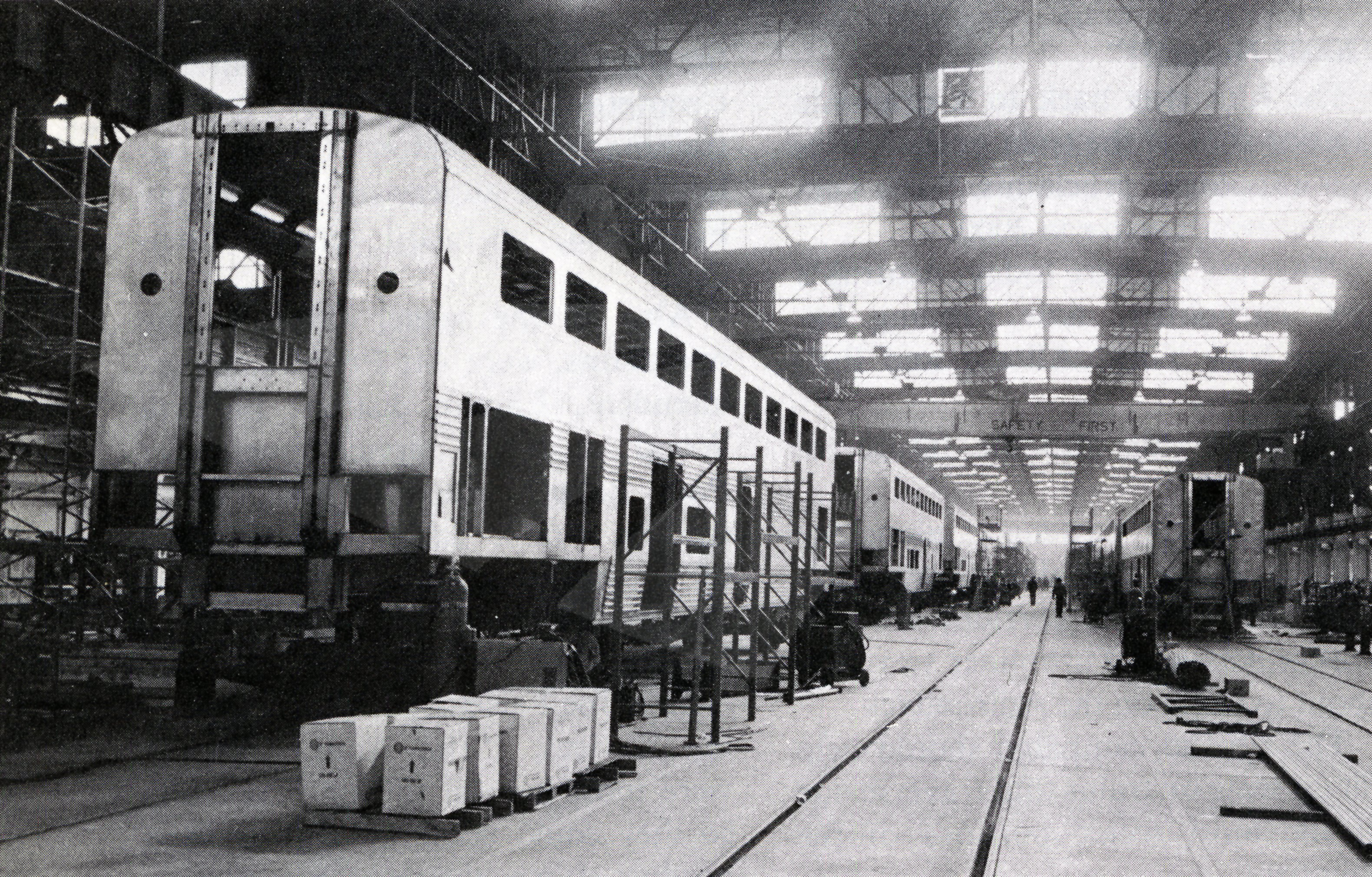 Superliner assembly at the Pullman Standard plant, 1977