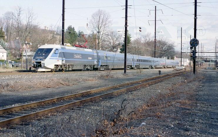 X2000 making test runs on the Keystone Corridor, 1992.