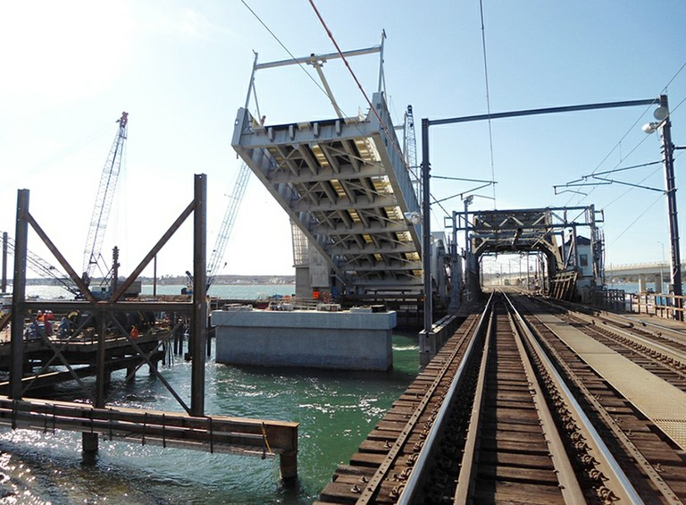 The new Niantic Bridge under construction, 2012.
