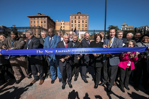 Roanoke ribbon-cutting.