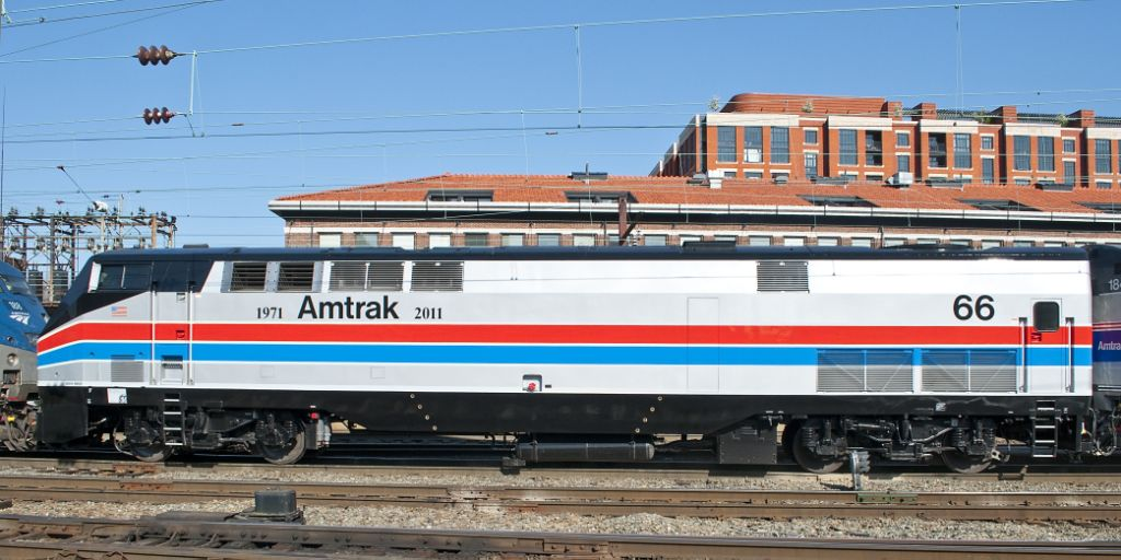At least 3 dead after Amtrak train derails going 80 mph in ...