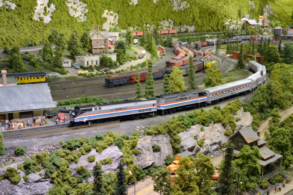 Train Models In Action Amtrak History Of America S Railroad